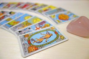 タロットカードを浄化する簡単な方法や保管の仕方