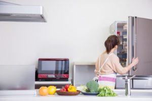 冷蔵庫の中が玉ねぎ臭い!漏れたニオイ対策とカット玉ねぎのニオイを漏らさない方法