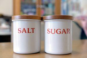 砂糖が気づくと固まってカチカチに…サラサラに戻す方法と予防策