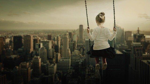 社会人になってから人生がつまらないと思うようになってしまった…どうすれば楽しく生きられる?