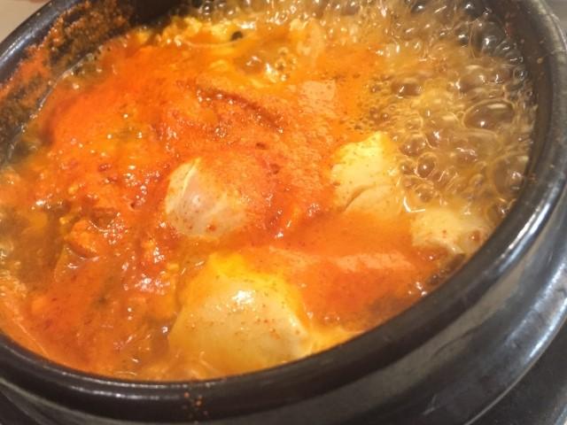 間違えて辛く味付けしてしまった料理の辛味を中和させる方法