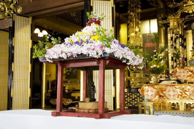 花祭りで使うお花はどんなものがいい?ダメな花や注意点はある?