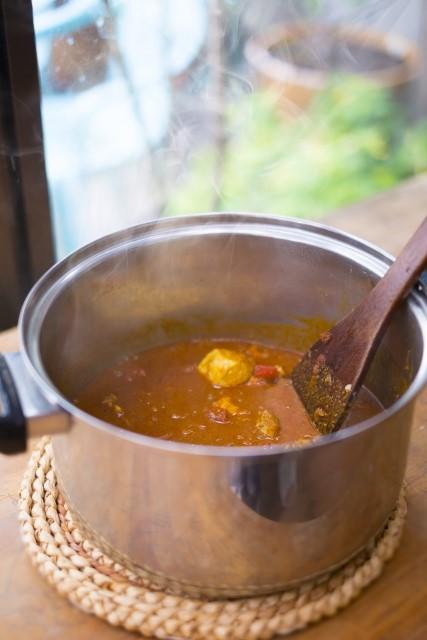 カレーを作った後のお鍋の洗い方はどうするのが楽?