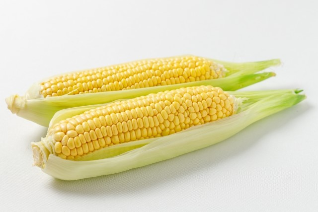 新鮮で甘いやつ希望!スーパーでのおいしいトウモロコシの見分け方