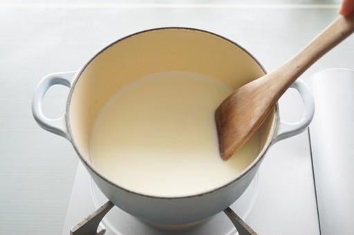 牛乳を温めても膜が張らない?!あの膜の正体となぜ出来るのかを解説