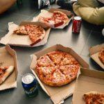 手作りピザを丸ごと一枚運ぶ入れ物の作り方と代用になる箱をご紹介