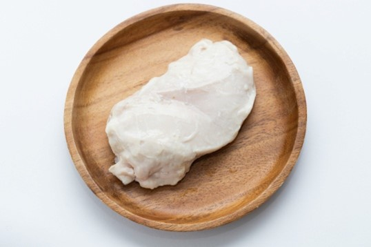 おいしい鶏むね肉の選び方のポイントは?